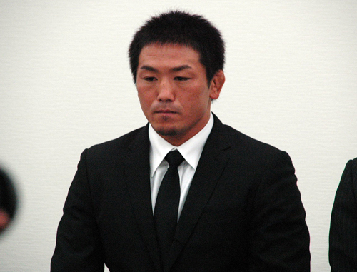 6月26日(金)都内にて緊急記者会見が行われ、公務執行妨害容疑で逮捕・... GBR>ニュース>