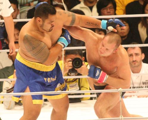 エメリヤーエンコ・ヒョードル VS マーク・ハント : 【総合格闘技】PRIDEタイトルマッチの